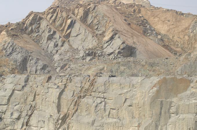 鲁灰石材产地及应用